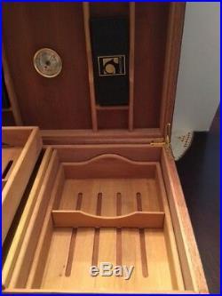 200 capacity H UPMANN HUMIDOR FABRICA de Tabacos Collectors Cuba cigar box