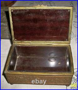 Antique JB JENNINGS BRS. REPOUSSE CIGAR CIGARETTE FOOTED HINGED WOOD LINED BOX
