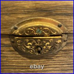 Antique Oak Tin Lined Cigar Box Humidor. 10 X 7 X 4 1/2