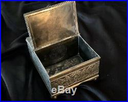 Antique Rogers & Bro. Silver Plate Figural Dog Glass Eyes Cigar Box Humidor