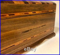 Antique Vintage Royal Jamaica Cigar Humidor Box Inlaid with Key