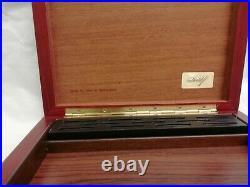 Attractive Davidoff Wooden Cigar Box / Humidor Handmade in Switzerland