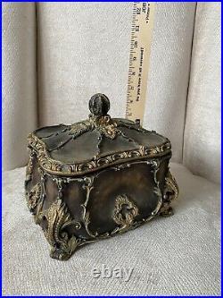 Gurkha Holy Grail Cigar Humidor, A Beautiful Ceramic Cigar Treasure Chest